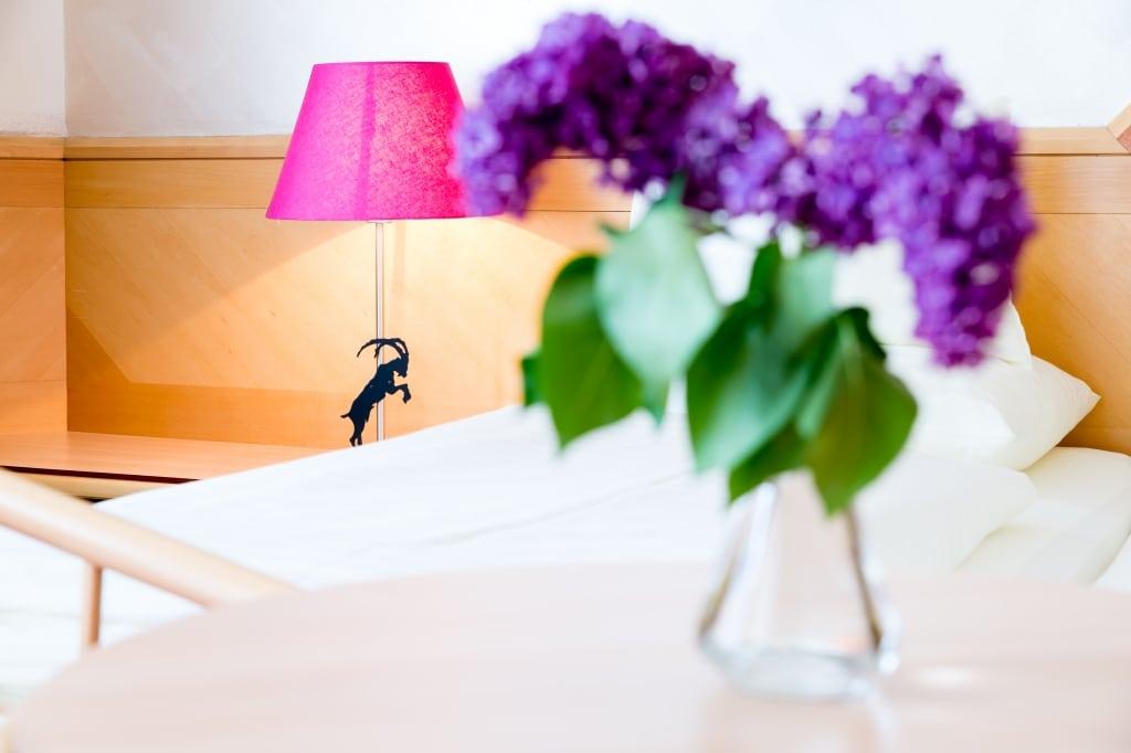 Die Komfort Doppelzimmer Neu im Hotel Schrofenstein in Landeck eignen sich ideal für Familien und gemeinsam reisende Freunde.