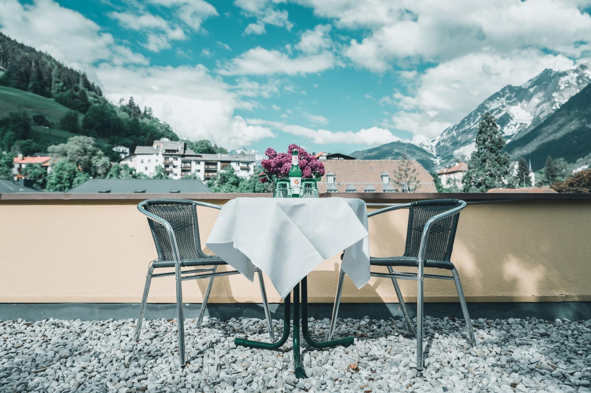 Wir freuen uns auf Ihren Besuch im Herzen Tirols