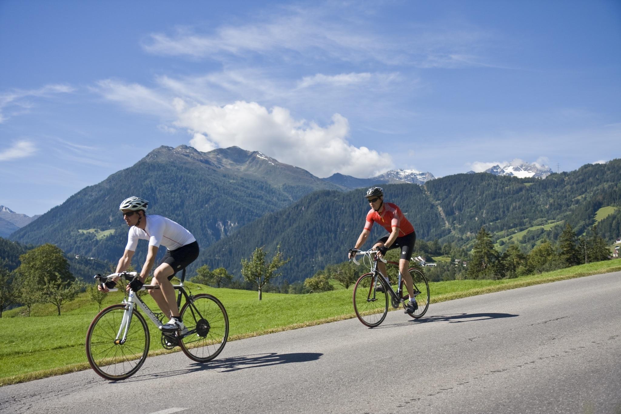 Das Tiroler Oberland ist sehr beliebt bei Radfahrern aller Art
