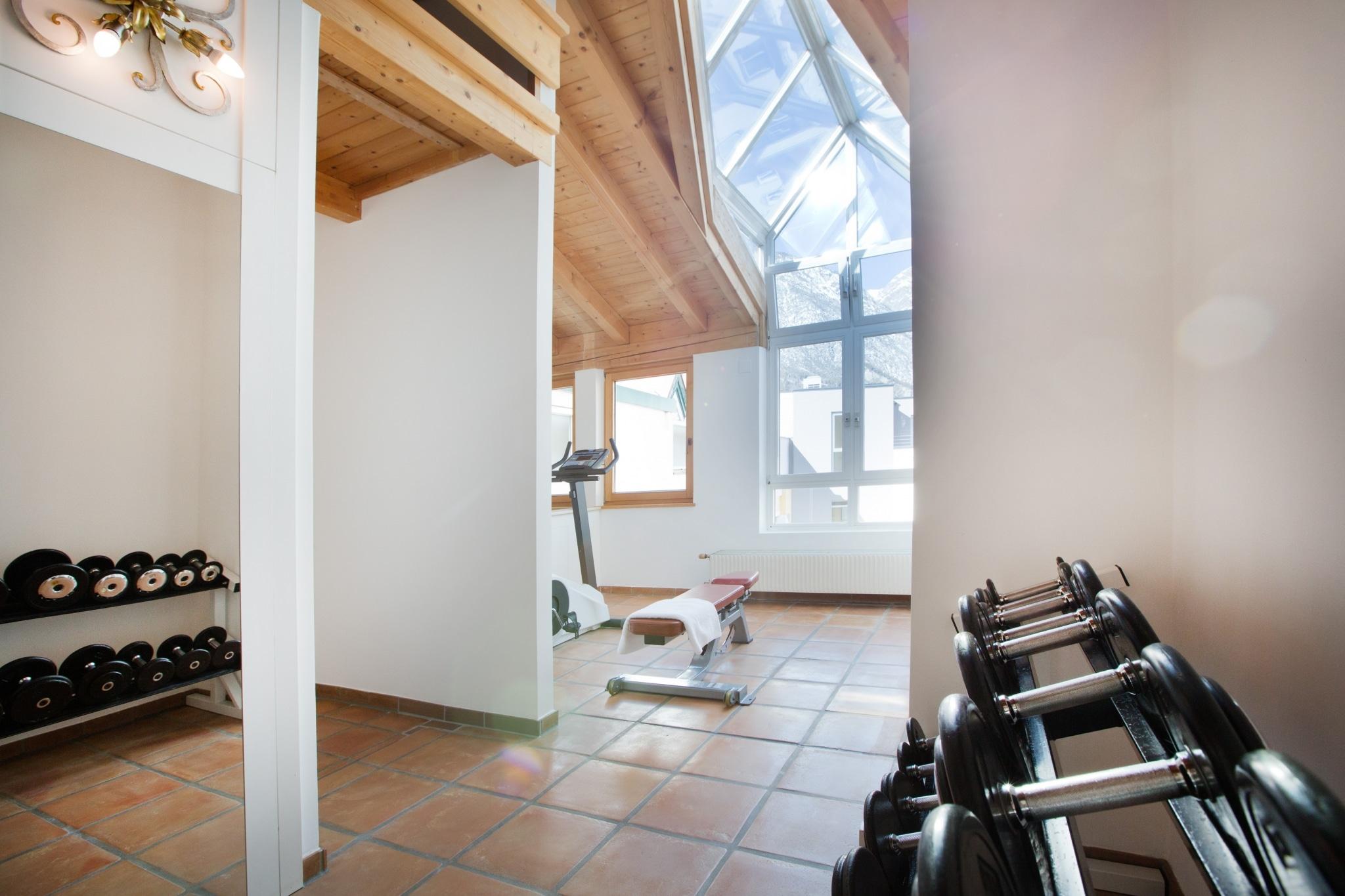 Sie suchen ein Hotel mit Fitnessraum? Dann sind Sie im Hotel Schrofenstein in Landeck richtig.