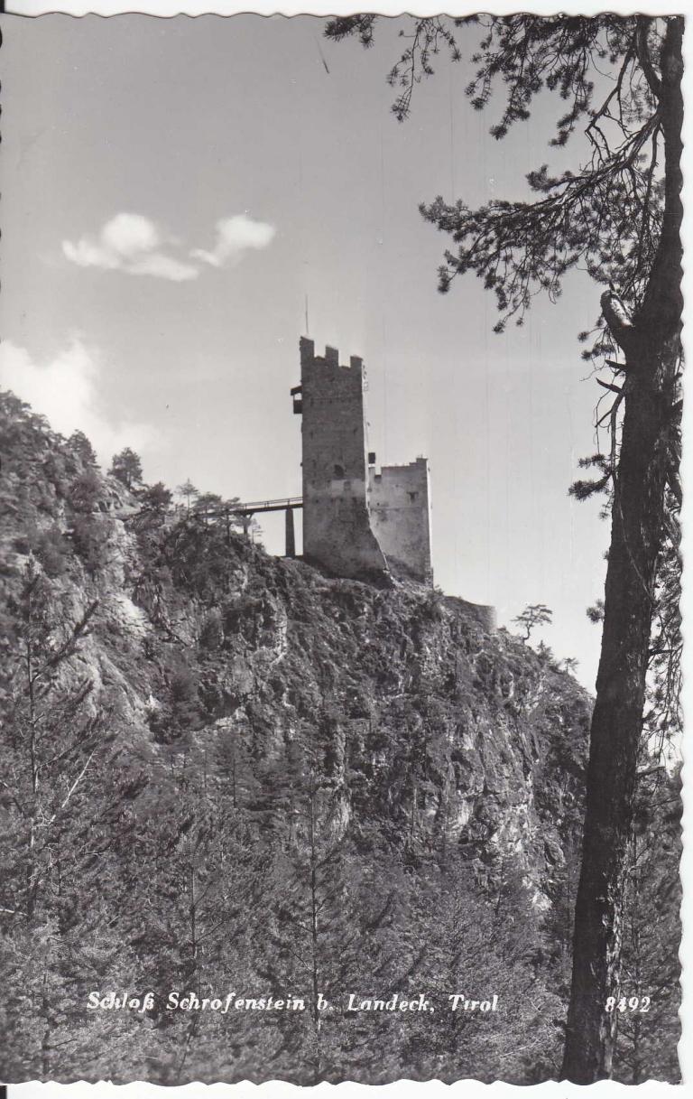 Das geschichtsträchtige Hotel Schrofenstein in Landeck hat seinen Namen von der Burgruine Schrofenstein.